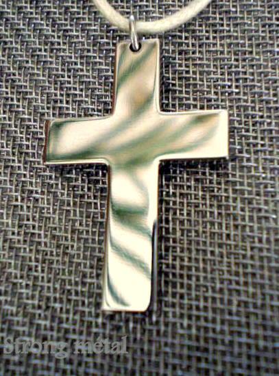 Croix en titane, épaisseur 2mm, hauteur 3cm. dans PENDENTIF TITANE croixsimpletitane